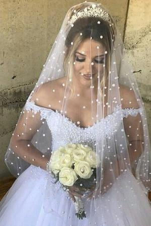 Elegant Lace Appliques V-neck Tulle Pearl Beaded Princess Wedding Dresses